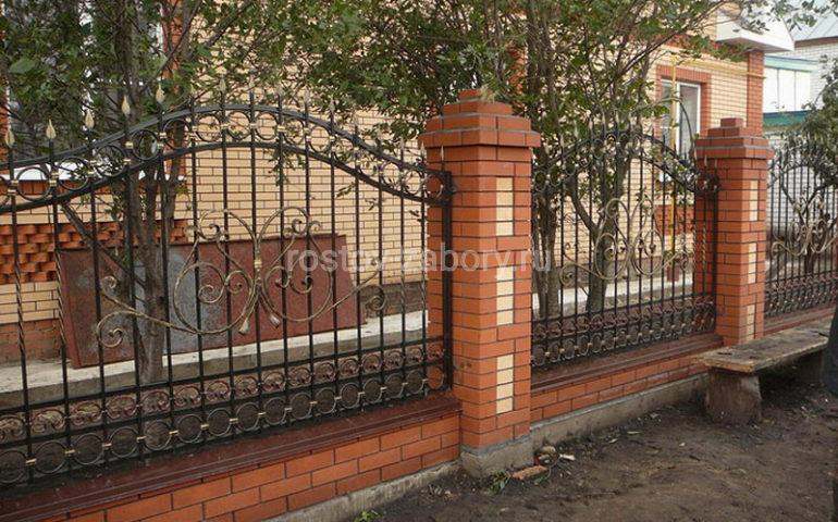 строительство заборов с ковкой в Ростове-на-Дону